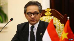 Ngoại trưởng Marty Natalegawa thăm Việt Nam hồi tháng Bẩy năm 2012