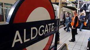 estación de metro de Aldgate en Londres