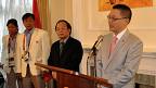 Đại sứ Việt Nam tại Anh và Bộ trưởng VHTTDL gặp gỡ đoàn vận động viên Việt Nam tại London