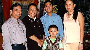 Gia đình Tạ Phong Tần