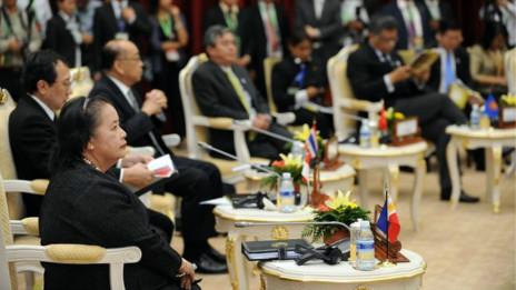 Thứ trưởng Ngoại giao Philippines Erlinda Basilio