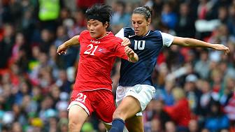 Bóng đá nữ Bắc Hàn gặp Mỹ