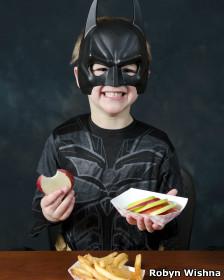 Niño en traje de Batman