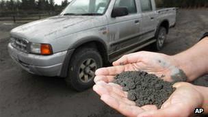 Cinzas expelidas do vulcão monte Tongariro