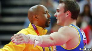 Goto e Zanetti, na comemoração da medalha, na segunda-feira (Reuters)