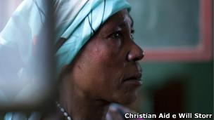 Vítima de violência sexual (Foto Christian Aid e Will Storr)