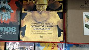 Libro de Reichel-Dolmatoff en una librería bogotana