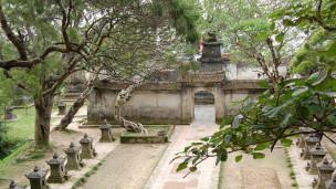 Vườn tháp Yên Tử