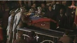 Mwili wa Zenawi ukiwasili Adis Ababa