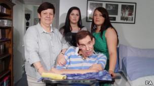 Nicklinson com a família