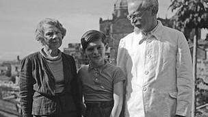 Trotsky e sua família | Foto: BBC