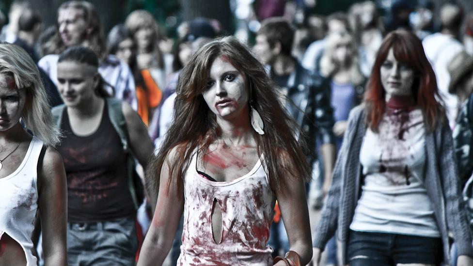Улыбнись :) - Страница 5 120828112551_zombie6_976x549_bbc_nocredit