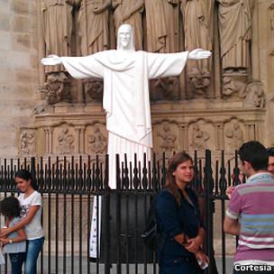 Cristo em Notre Dame/Cortesia