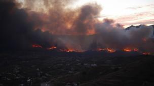 االکوارث الارضية من الاعاصير والفيضانات والزلازل  120831091713_spain_wildfire_304x171_reuters_nocredit