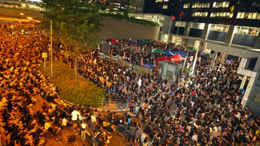 香港反国教联盟准备通宵抗议