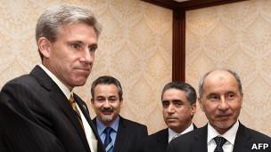 استیونز و مصطفی جلیل رئیس شورای انتقالی