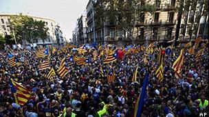 Manifestação separatista em Barcelona (AP)