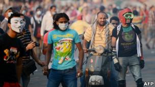 120914072513_film_islam_cairo_embassy_304x171_afp پلیس آمریکا سازنده فیلم اهانتآمیز علیه پیامبر اسلام را یافتهاست