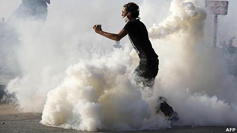 Un egipcio en una protesta por la película en El Cairo.