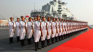 Hải quân Trung Quốc trên tàu Liêu Ninh