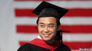 薄瓜瓜在哈佛毕业典礼上