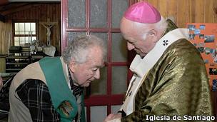 Pierre Dubois junto al arzobispo de Santiago, Ricardo Ezzati