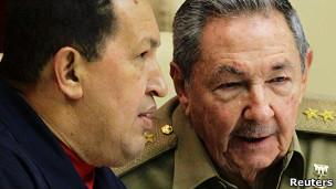 Hugo Chávez (izq.) y Raul Castro