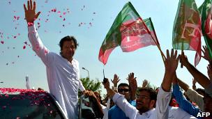 Imran Khan en marcha en Pakistán