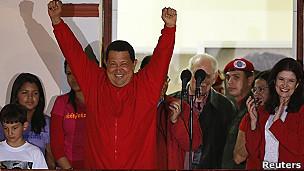 Tổng thống Hugo Chavez nói cuộc chiến chống ung thư đã lùi lại phía sau