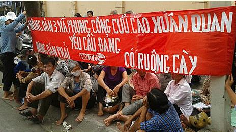 không - Việt Nam: Khi người cày không còn ruộng (RFI) 121009105815_van_giang_464x261_internet_nocredit