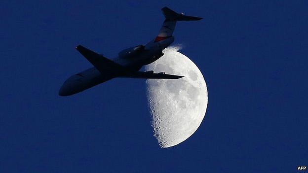 Avión de noche