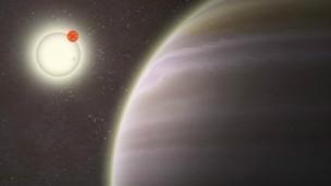 اكتشاف كوكب جديد تحيطه أربع شموس