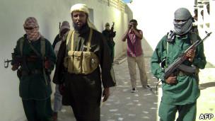 مقتل شاعر صومالي انتقد الحركات الاسلامية المسلحة