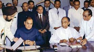 1987- இந்திய-இலங்கை ஒப்பந்தப்படி இலங்கையில் மாகாணசபை முறைமை ஏற்படுத்தப்பட்டது.