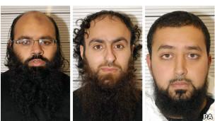 Irfan Naseer, Irfan Khalid e Ashik Ali (Foto PA)