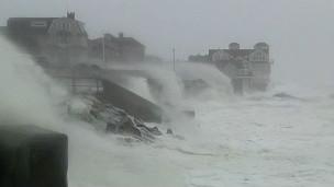"""飓风""""桑迪""""冲击美国"""