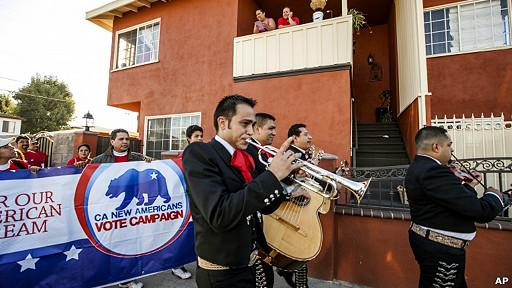 Mariachis alientan a votar en California