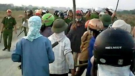 Nông dân Văn Giang chống chính quyền