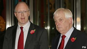 TGĐ George Entwisle (bên trái) cùng Lord Patten, chủ tịch BBC Trust