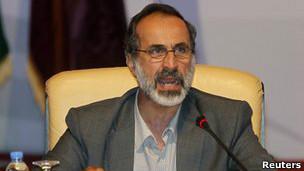 El clérigo islamista moderado Ahmad Moaz al-Khatib