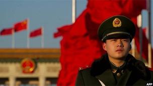 天安门广场的武警战士