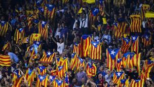 Banderas independentistas en el Camp Nou