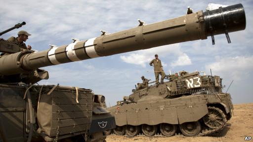 Soldados israelíes en la frontera con la Franja de Gaza