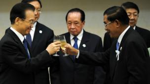 Hun Sen đóp Ôn Gia Bảo