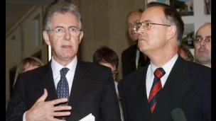 O primeiro-ministro italiano, Mario Monti, fala inglês fluentemente.