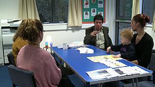 Oficinas de psicólogo são disputadas por pais de alunos (BBC)