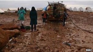 Лагерь беженцев в Атме