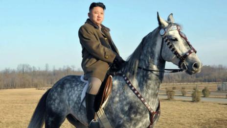 金正恩骑马