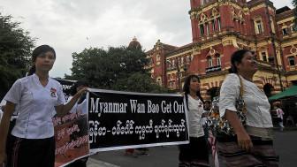 biểu tình ở mỏ đồng Miến Điện