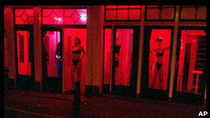 Pagar por sexo podría llegar a ser ilegal en Europa